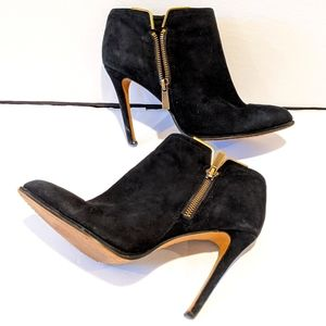 Vince Camuto black suede ankle boots booti…